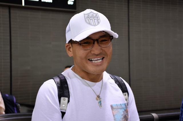 画像: 【がんばれ!ニッポン】えっ!?丸山ヘッドコーチTシャツでリオ入り?オリンピック出国会見 - みんなのゴルフダイジェスト
