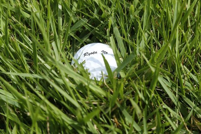 """画像: 夏ラフ逆目の距離感!""""しっかり振る""""は大前提 - みんなのゴルフダイジェスト"""