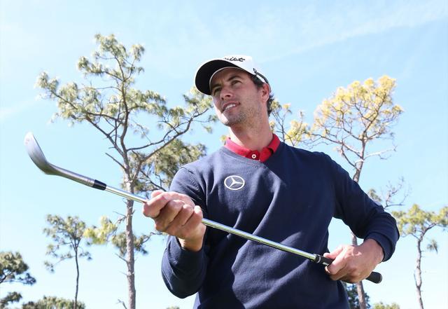 画像: ロブショットはフェースを目一杯開く【アダムの魔法のアプローチ】 - みんなのゴルフダイジェスト