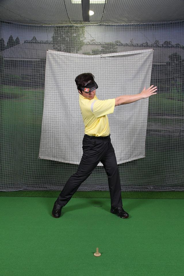 画像2: 【トレーニング】飛ばせるフォローは″引っ張り合い″!クラブをしっかり振り抜こう(後編)