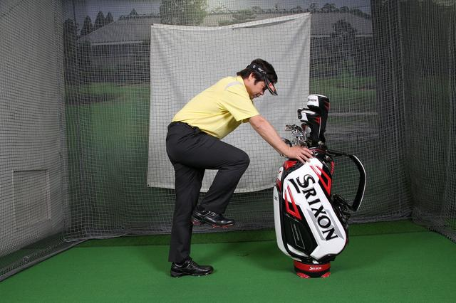 """画像: 【トレーニング】飛ばせるインパクトは""""右腰""""を押し込もう(前編) - みんなのゴルフダイジェスト"""