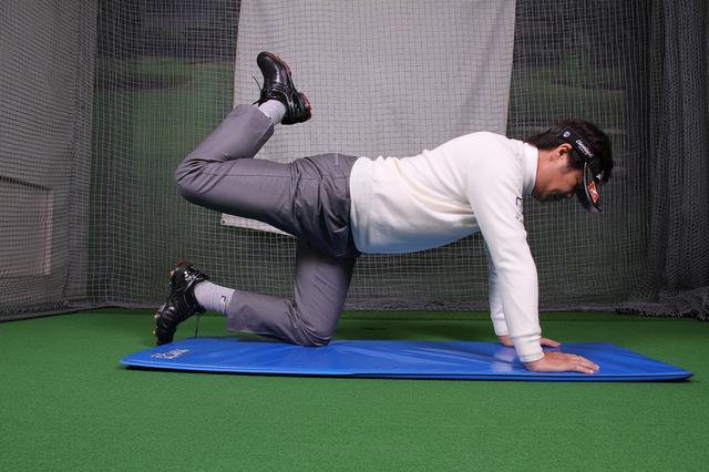 画像2: 切り返しは下半身から!大きなパワーを生み出すトレーニング