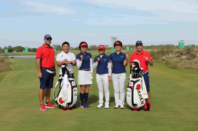 画像: 日本チームのメンバーで集合写真