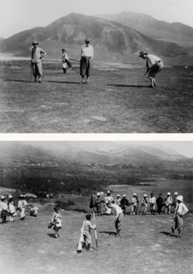 画像: 上:開場当時のコース 下:地元の学生キャディとプレーヤー www.sengokugolf.jp