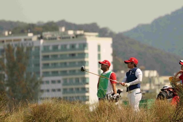 画像2: 野村はメダルまで 6打差の位置で最終日