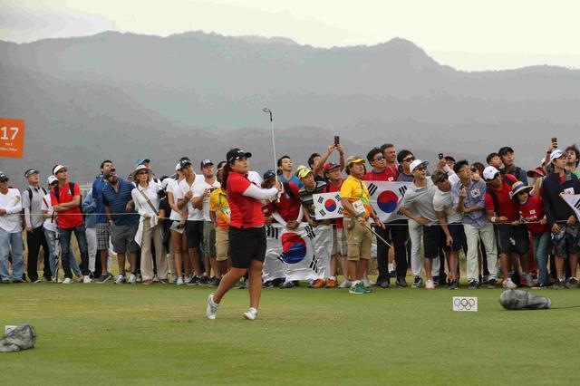 画像: 韓国の応援団が常に声援を送っていた