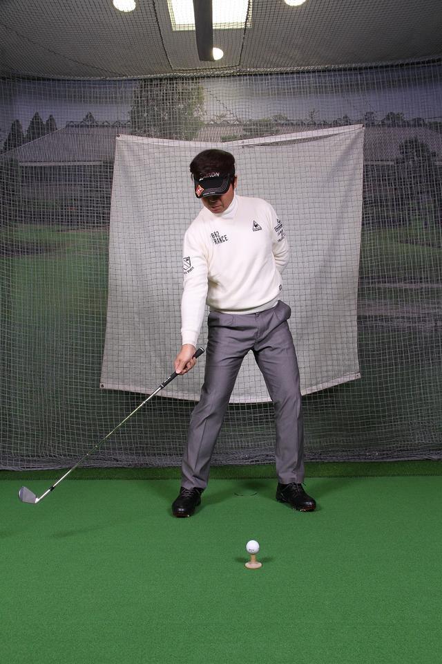 画像5: 飛ばしのポイントは″右手のリリース″!右手1本でクラブを持ってボールを打つ練習しよう