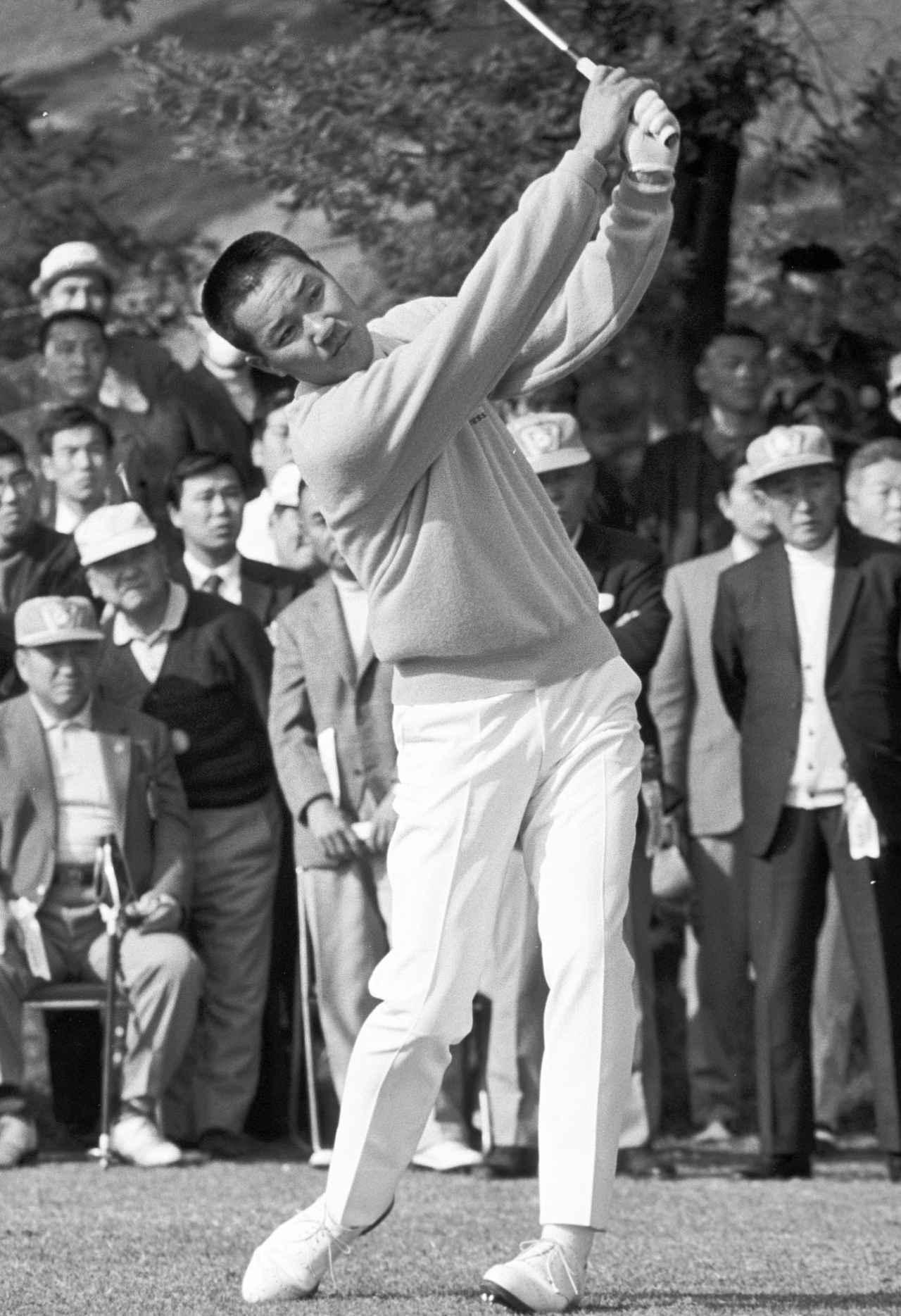画像: 71年 日本オープン 当時はフックが持ち球だったが、大きく曲がることが多かった。ただ、リカバリーの上手さとパッティングの地術で優勝を重ねていた