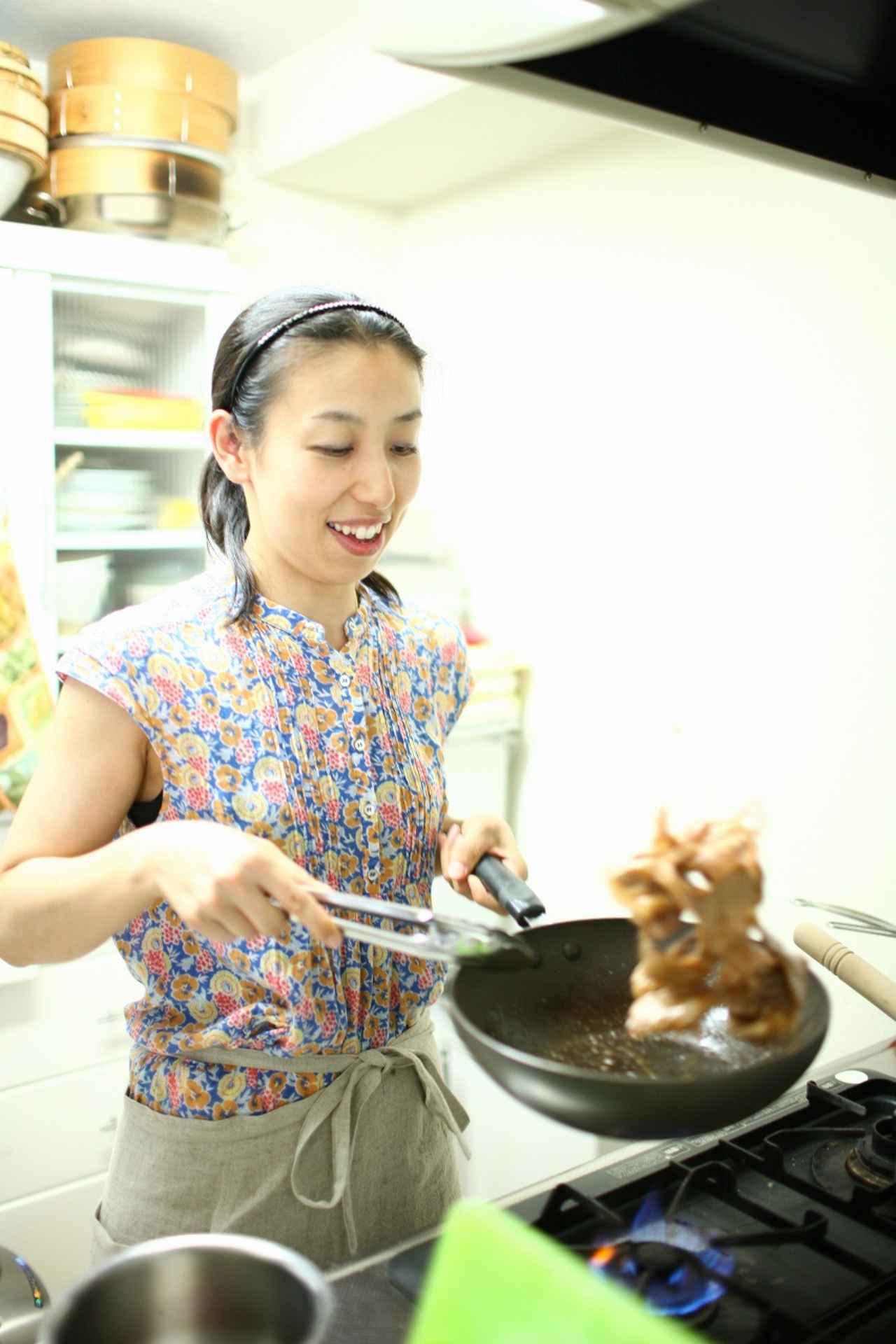 画像: フードコーディネーター 舘野真知子先生 管理栄養士の資格を持ち、栄養カウンセラーも行う料理研究家