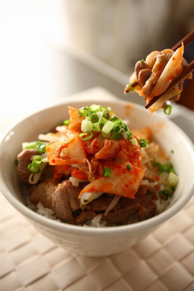 画像: ゴルフ当日の土曜日はガッツリお肉でパワー充電「豚丼」