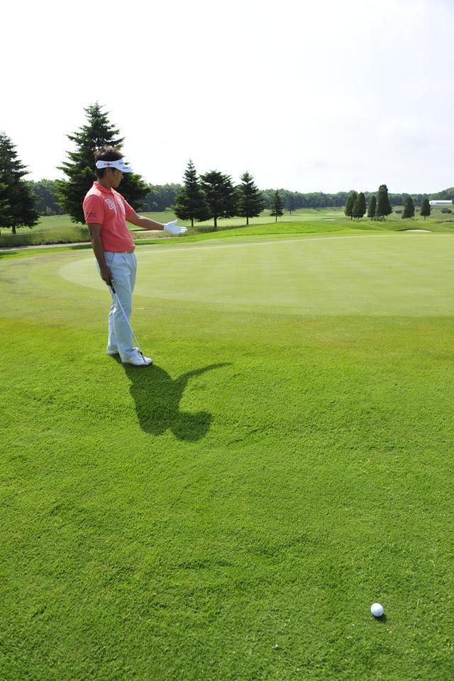 画像: ボールとピンの中間地点に立ち、横から立体的にイメージを出す