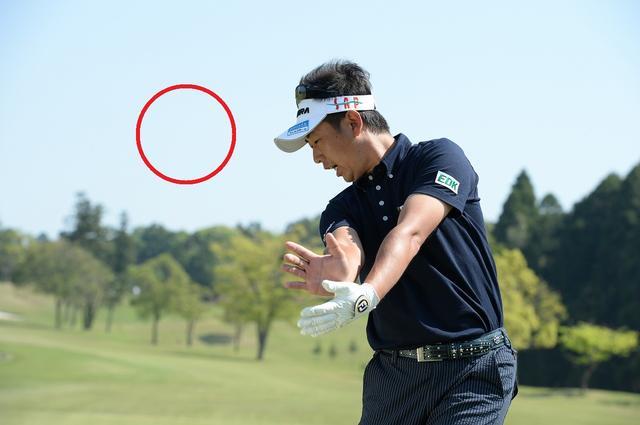 画像3: 高打ち出し、低スピンの″放物線″弾道『ドロ~ンボール』。ぶ厚い当たりになるには、ヘッドのトウを立ててみよう!