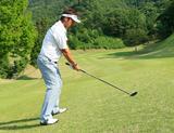 画像: 斜面だってフェアウェイウッド!上半身を平地と同じにしてみよう - みんなのゴルフダイジェスト