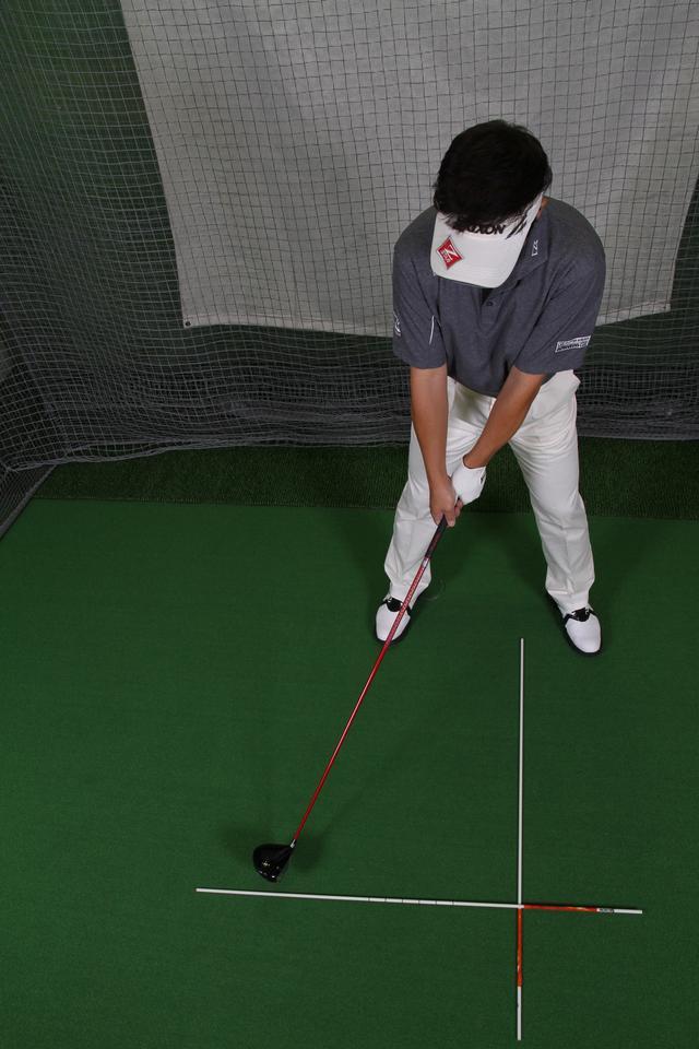 画像2: 飛球線の後方延長線上よりインサイドに動く