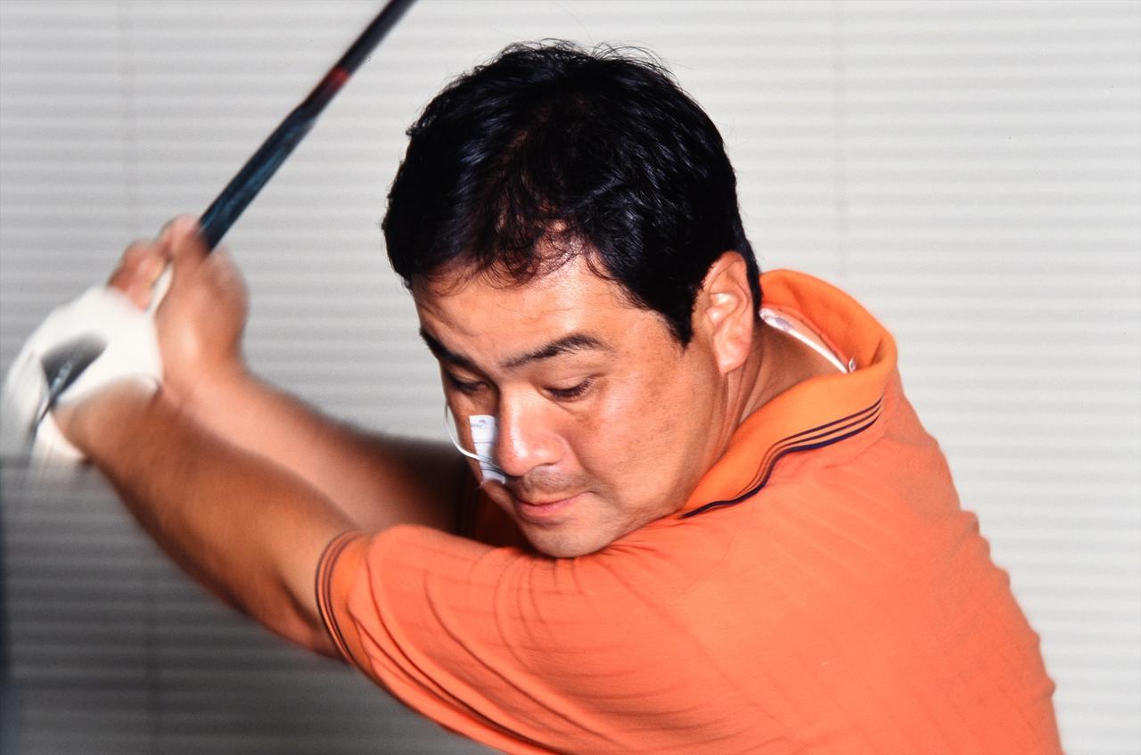 画像1: 【ゴルファーのための超呼吸法】③ 息を止めて打つと 体がガッチガチに