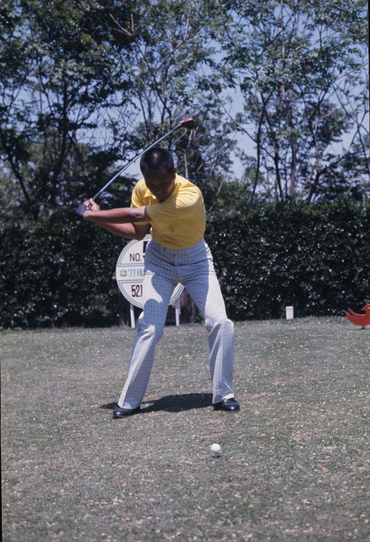 画像4: 【ゴルファーのための超呼吸法】③ 息を止めて打つと 体がガッチガチに
