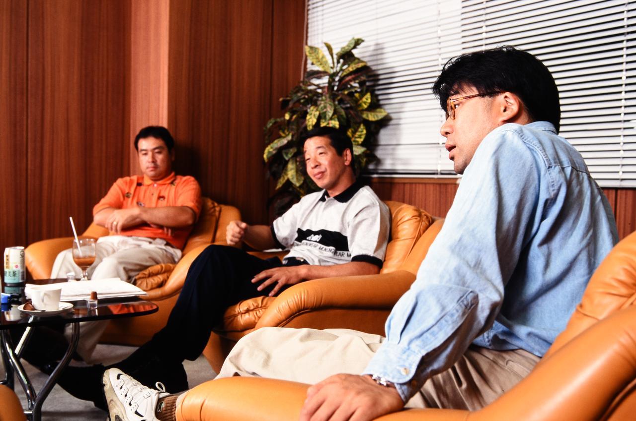 画像: 左から富永プロ、白石教授、平山トレーナー