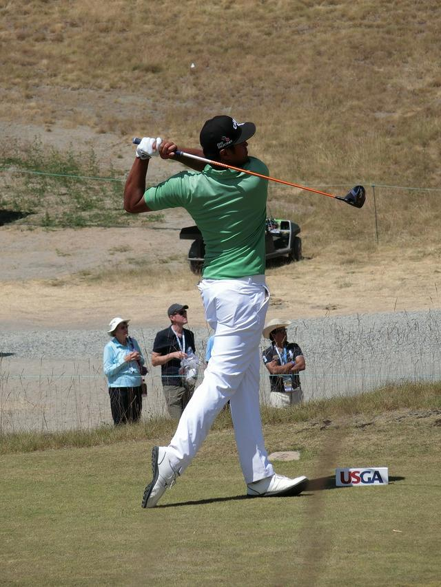 画像14: PGAの飛ばし屋!トニー・フィナウのスウィングを解説