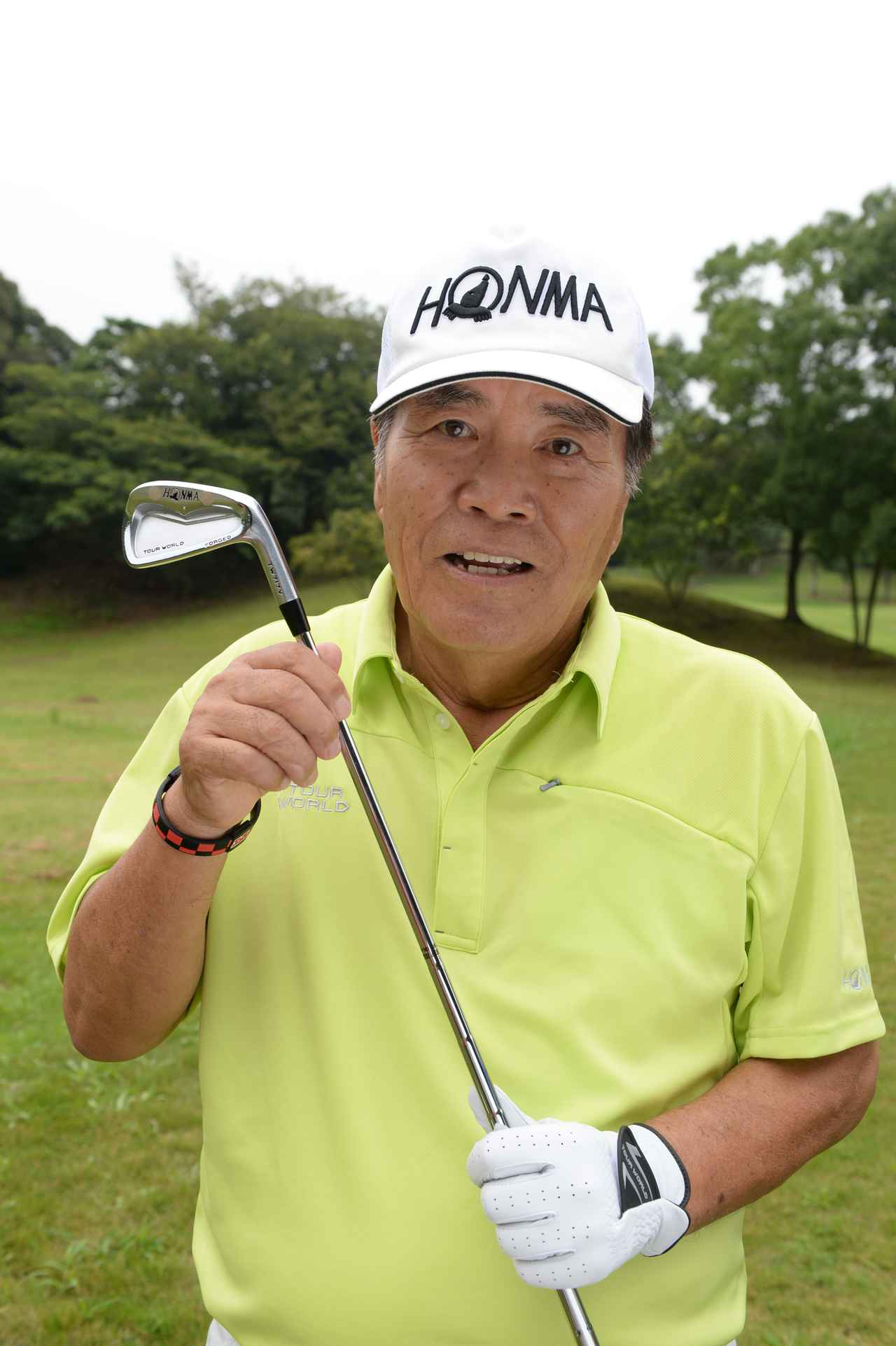 画像: 安田春雄プロ。 ピンに絡むアイアンを武器に一時代を築いた昭和を代表するアイアンの名手