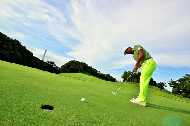 画像: 秋は1年で最もグリーンが速い!【速いグリーンに惑わされないストローク】 - みんなのゴルフダイジェスト
