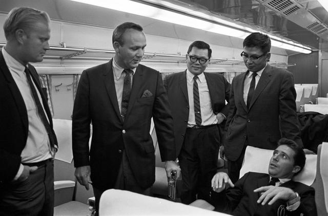 画像: 同じく'67年のビッグスリーが来日した際の新幹線内