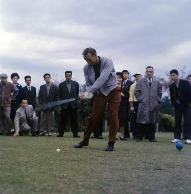 画像: '66年のカナダカップにて。日本中のゴルファーが固唾を飲んでプレーを見ていた