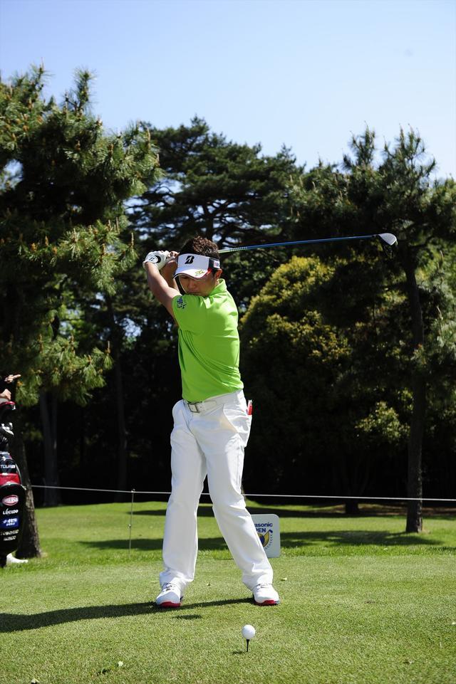 画像: 左肩の高いフラットなトップ