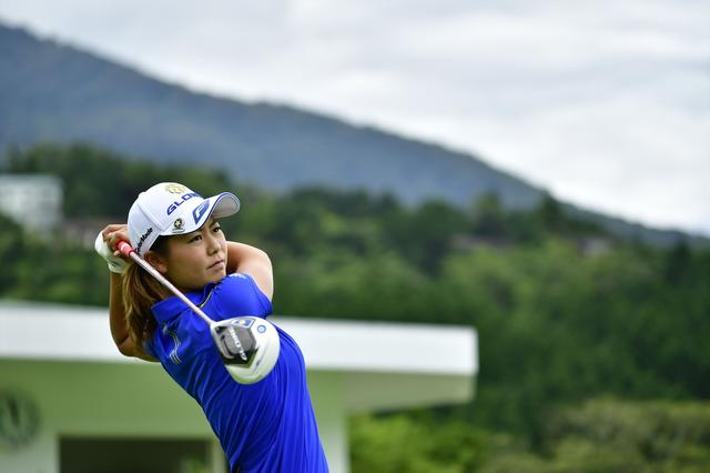 画像: 【勝者のスウィング】軸の太さは樹齢100年級! 松森彩夏のスウィングを解説 - みんなのゴルフダイジェスト