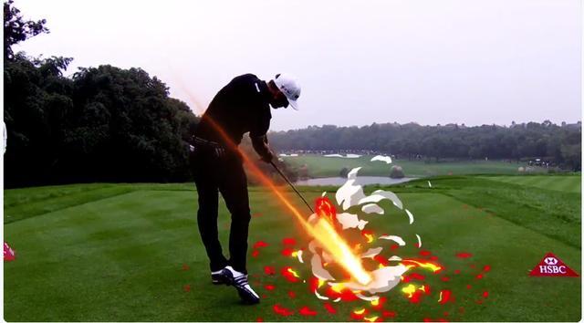 画像: クラブを振れば炎をまとい、インパクトでは爆発が起こる。それがダスティン・ジョンソン