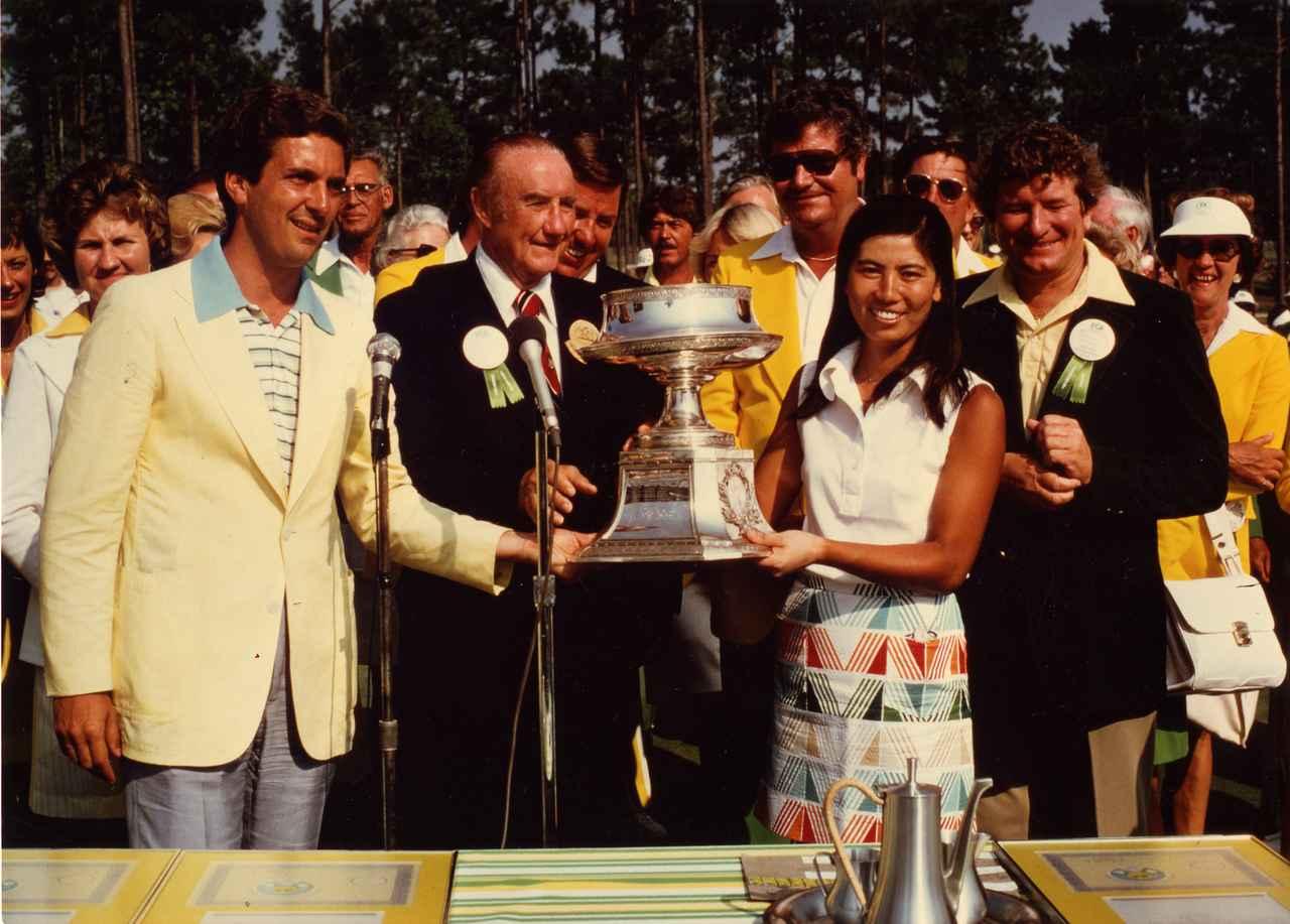 画像: 77年「全米女子プロ」で日本人初のメジャー制覇を成し遂げた樋口久子プロ。03年には特別功労者部門で日本人初の世界殿堂入りを果たした