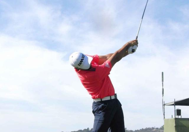 画像: 「杖ドリル」で正しい体重移動を身につける! ジェイソン・デイの同級生、秘密のドリル - みんなのゴルフダイジェスト