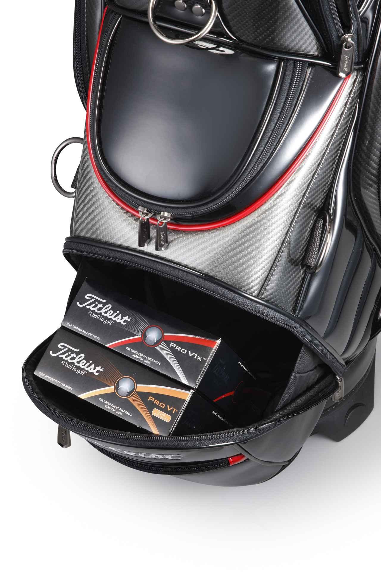 画像: 小物入れにも便利なフルオープンポケット。ゴルフボール2ダースを丸ごと収納できる広々設計