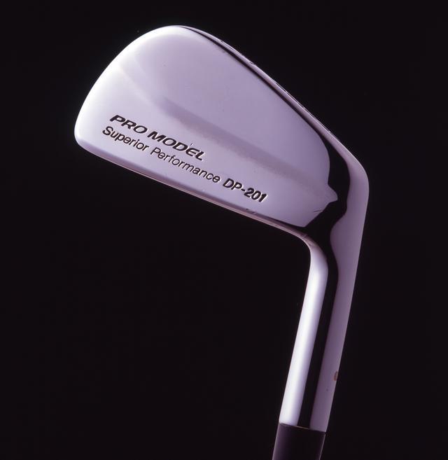 画像: 先代「プロモデル DP-201」。1988~1991年まで発売され、プロの意見を最大公約数的に取り入れたアイアン