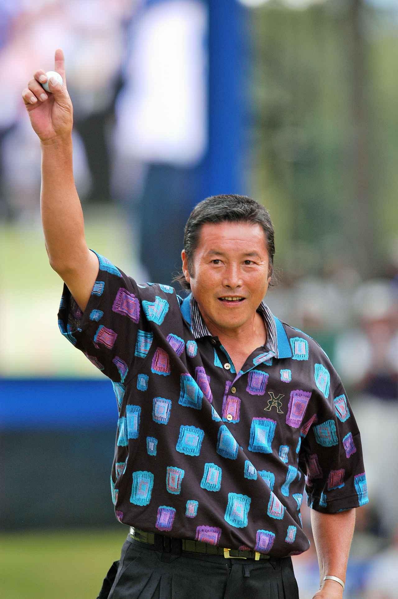画像: 尾崎将司は2002年「全日空オープン」で最年長優勝記録を樹立。777日ぶりの勝利だった。