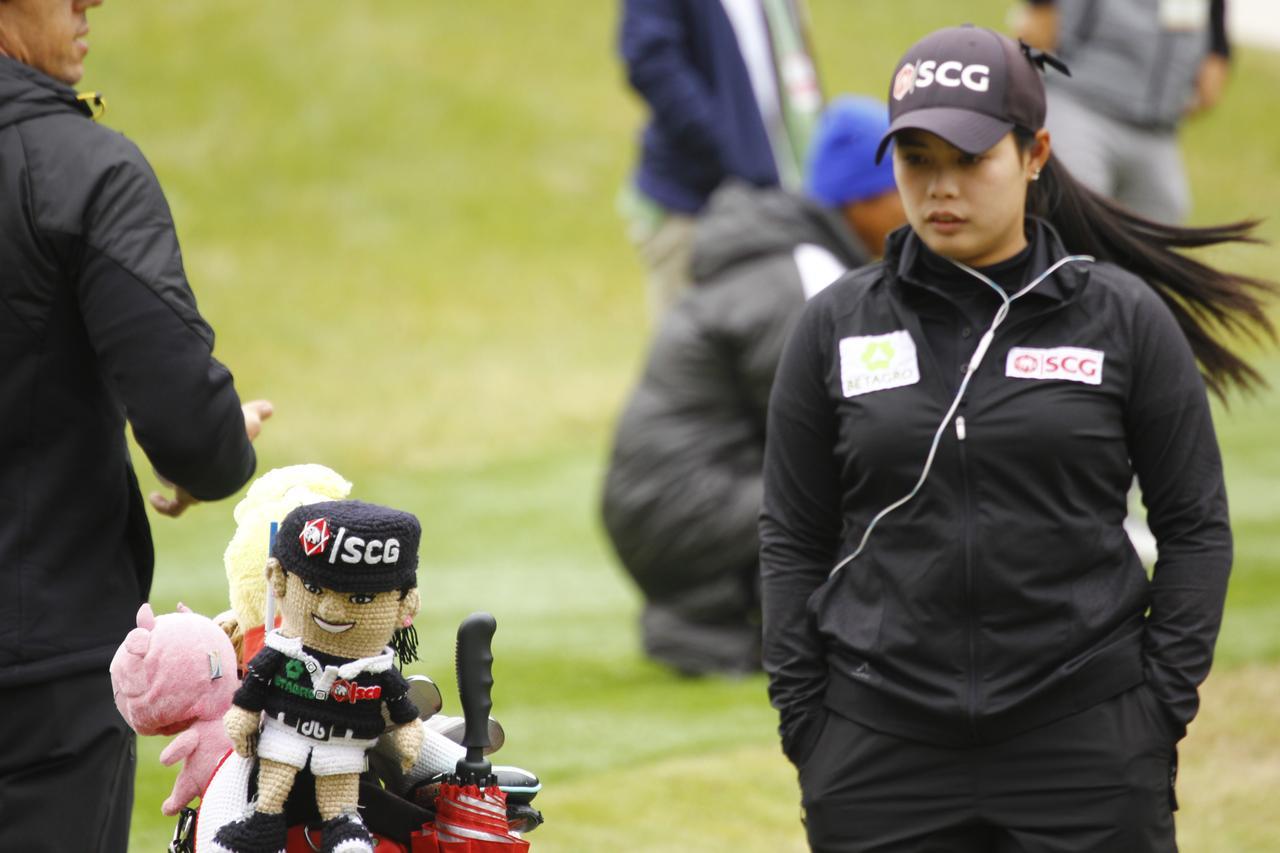画像: アリヤのお姉ちゃん。タイ美女モリヤの「最初の一振り」 - みんなのゴルフダイジェスト