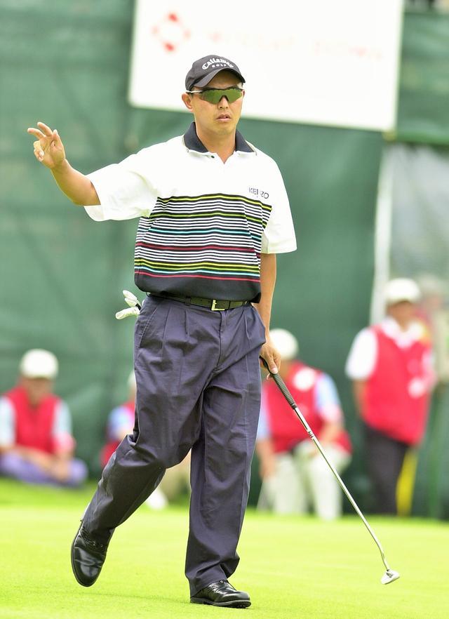 画像: 2002年「よみうりオープン」で自身初の完全優勝を果たす。この年は自身初の賞金王にも輝いた。