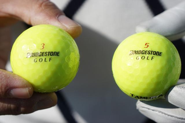 画像: 本球は3番で暫定球は5番に決めている