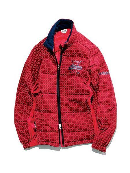 """画像: こちらも""""モルカル""""を仕様。軽くて暖かいという素材の特徴ゆえ、ロングスリーブでももちろん着膨れない。ビビッドな赤も魅力"""