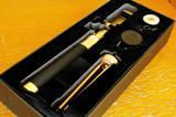 画像: セットの中身は、0.4倍ワイドレンズ・三脚1セット・リモコン・カラビナ付きストラップ・USBケーブル・ケース