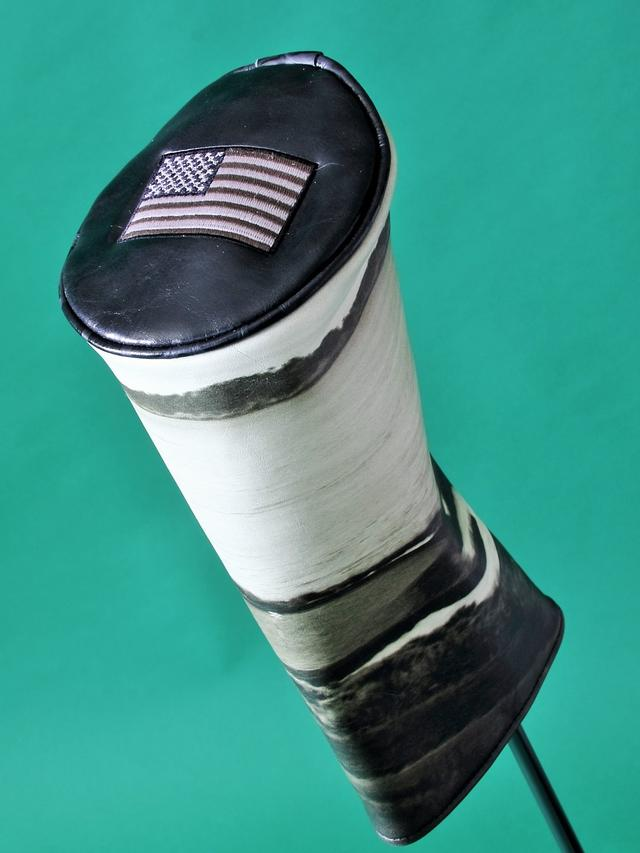 画像: ぺブルビーチ柄に加えて、先端にはアメリカ国旗