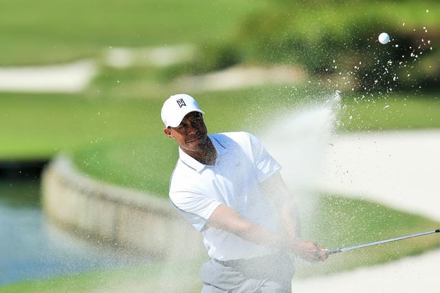 画像: タイガーが復帰戦で魅せた! バンカーからのスーパーショット - みんなのゴルフダイジェスト