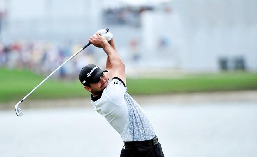 画像: 世界NO.1のボディターンを「ゴム」で身につける。ジェイソン・デイの同級生、秘密のドリル - みんなのゴルフダイジェスト