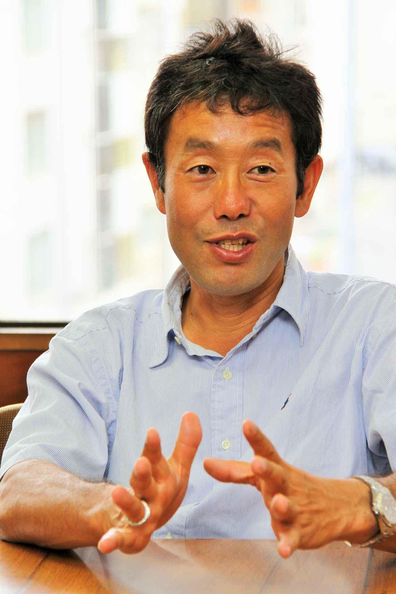 画像: 吉岡徹治監督は、中学1年生だった石川遼に出会い、2007年にプロトーナメント優勝に導いた。