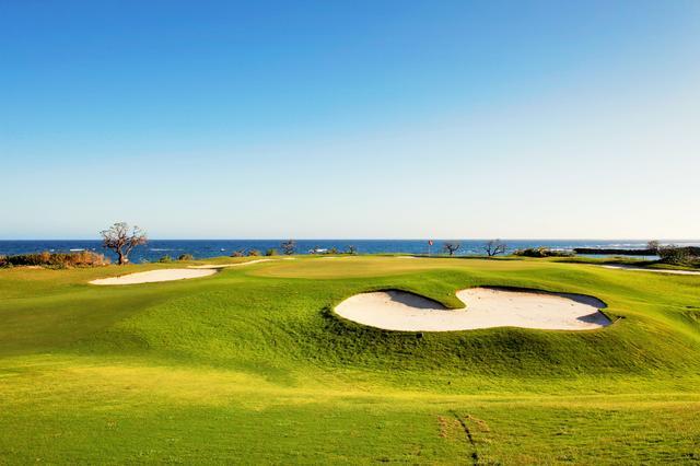 画像: エメラルドコーストGL。美しいビーチのそばでゴルフなんて、最高だ