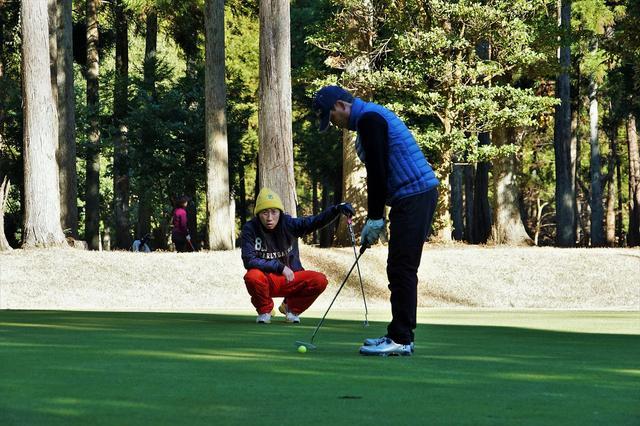画像: ショートコース選手権も親子で参戦している「田中善郎・貴羽」ペアも無難に予選を通過