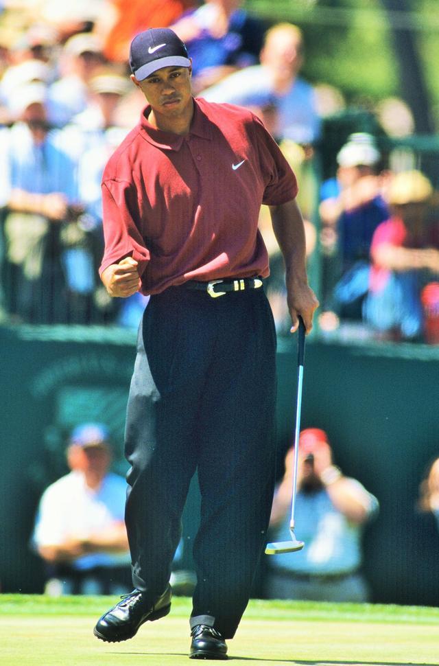 画像: 2000年「全米オープン」では2位と15打差をつけメジャー3勝目。これを皮切りにこの年の「全英オープン」、「全米プロ」、翌年の「マスターズ」で勝利し、メジャー4連勝を成し遂げた
