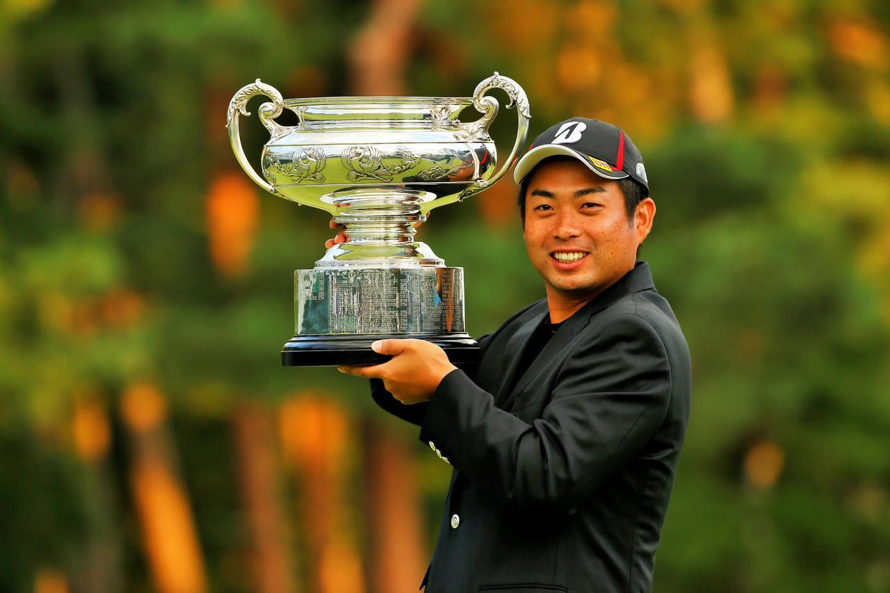 画像: 2014年「日本オープン」で自身2度目、2009年の「日本プロ」以来のメジャー勝利を決めた
