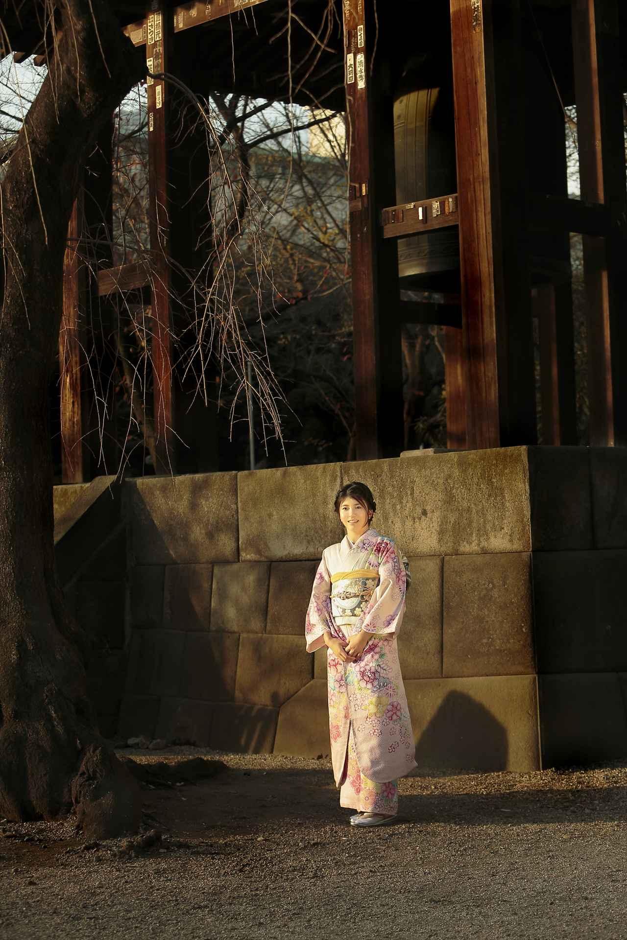 画像: 美しい黒髪に、和服がよく似合っています