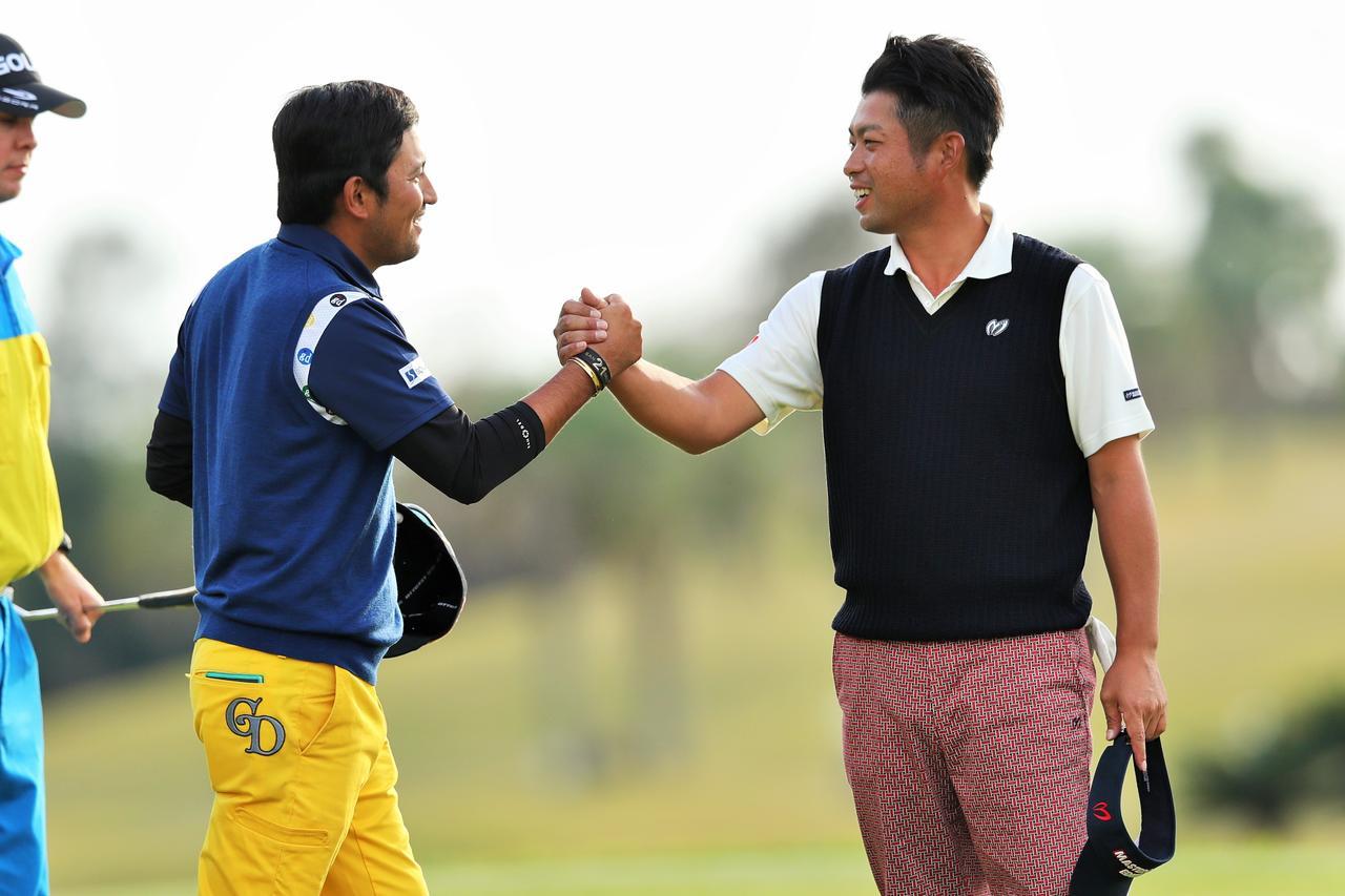 画像: 2016年「カシオワールドオープン」で、池田と正岡は同組でラウンドしワンツーフィニッシュを決めた