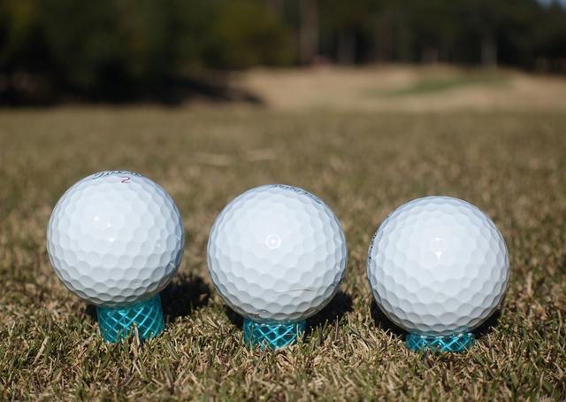 画像: 【知恵】凍った冬場のティアップは「水道ホース」がいいぞ! - みんなのゴルフダイジェスト